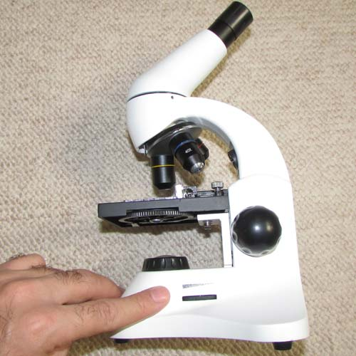 پیچ تنظیم شدت نور میکروسکوپ دانش آموزی تک چشمی مدل XSP45